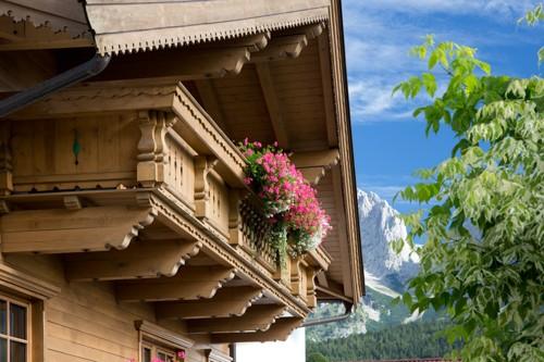 Balkon Brantlhof mit Wilder Kaiser Hintergrund