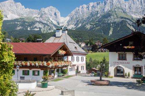 Kaiserblick vom Dorfplatz in Going vom Brantlhof aus